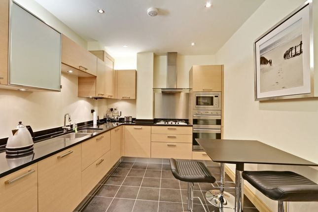 Thumbnail Flat for sale in Cockfosters Road, Hadley Wood