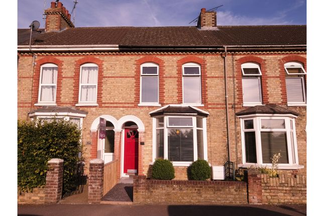 Thumbnail Terraced house for sale in Gladstone Road, Ashford