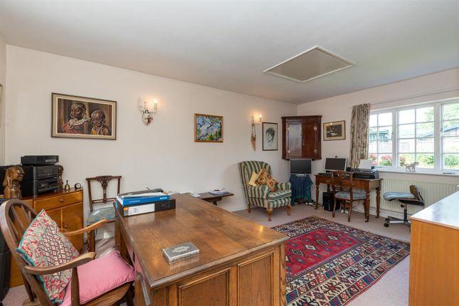 CV348Xg-22 of Dormer Cottage, Pebworth, Stratford-Upon-Avon CV37