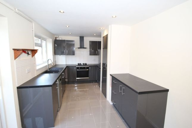 3 bed semi-detached house to rent in Houldsworth Drive, Chesterfield