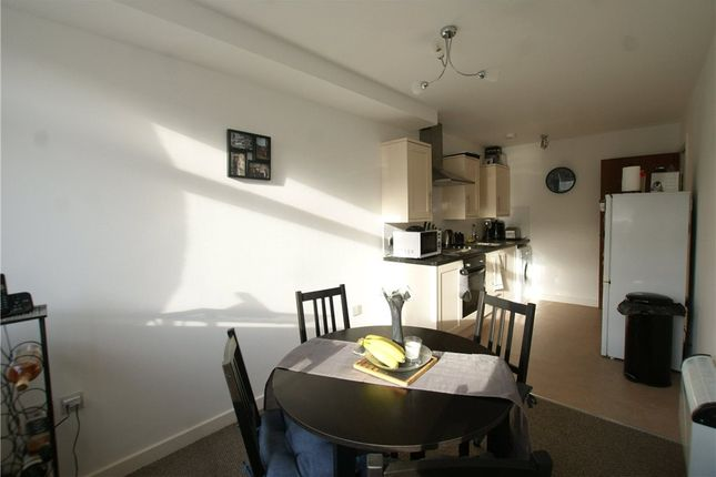 Thumbnail Flat for sale in Stratton House, Greywell Road, Havant