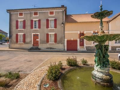 5 bed property for sale in St-Pardoux-La-Riviere, Dordogne, France