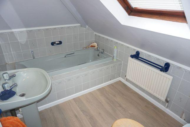 Family Bathroom of Forest Rise, Kirby Muxloe LE9