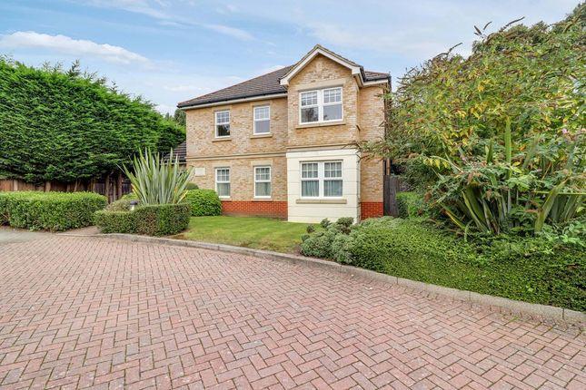 Thumbnail Flat for sale in Sandringham Mews, Hampton