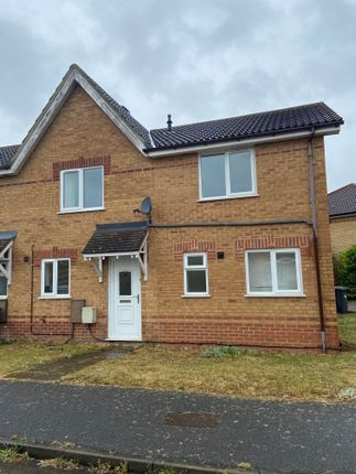 Room to rent in Buttercup Close, Bedford MK42