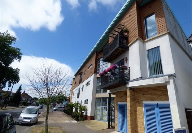 Thumbnail Flat for sale in Eastwood Road North, Leigh On Sea, Leigh On Sea