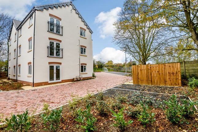 Thumbnail Flat for sale in Glazebrook Meadows, Glazebrook, Warrington