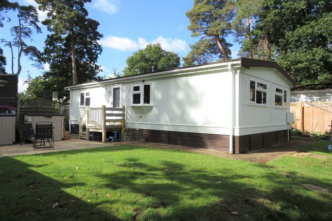 2 bed mobile/park home for sale in Sandy Balls Holiday Centre, Godshill, Fordingbridge SP6