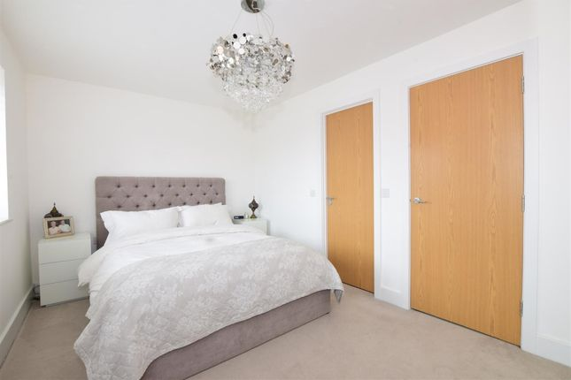 Bedroom 1 of Lynch Close, Havant PO9