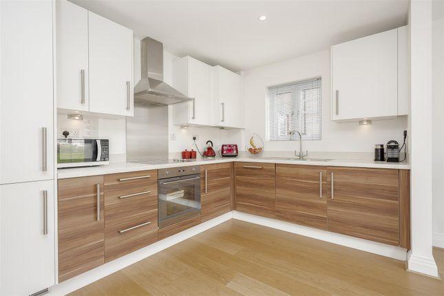 Flat-Birchwood-House-Banstead-114
