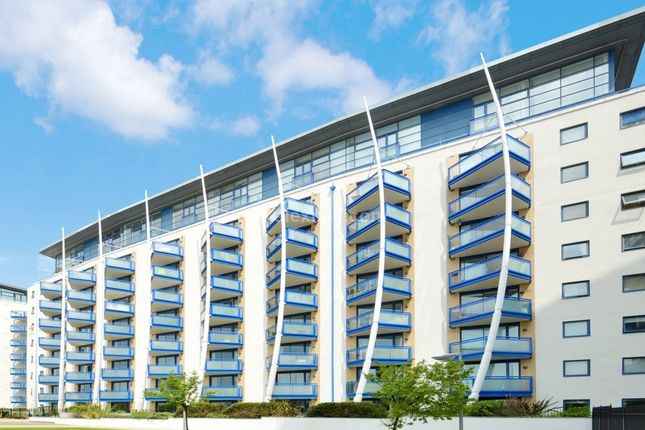 Thumbnail Flat for sale in Newton Place, London