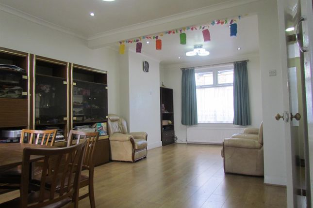 Thumbnail Terraced house to rent in Heath Road, Chadwell Heath, Romford