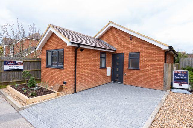 Thumbnail Detached bungalow to rent in Sadlers Court, Winnersh, Wokingham