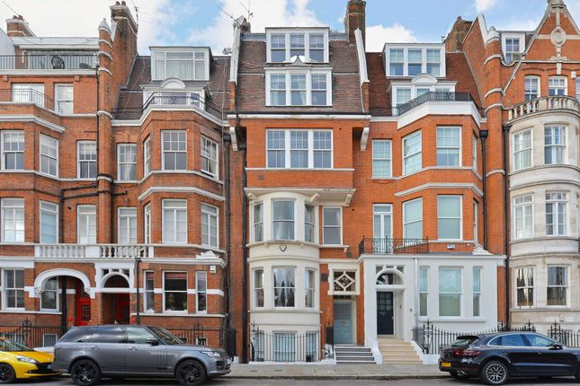 Thumbnail Town house for sale in Cheyne Place, London