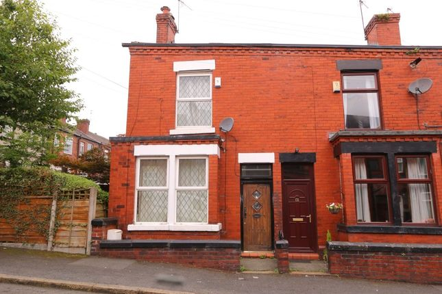 3 bed terraced house to rent in Albert Street, Hyde