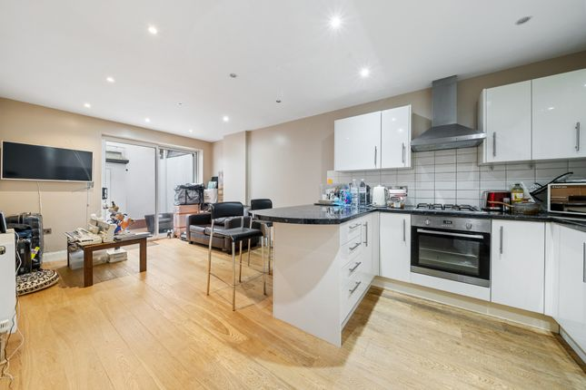 Thumbnail Flat to rent in Notting Hill Gate, London