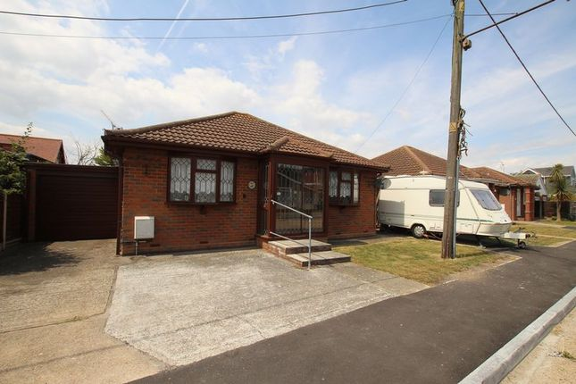 Thumbnail Detached bungalow to rent in Hannett Road, Canvey Island