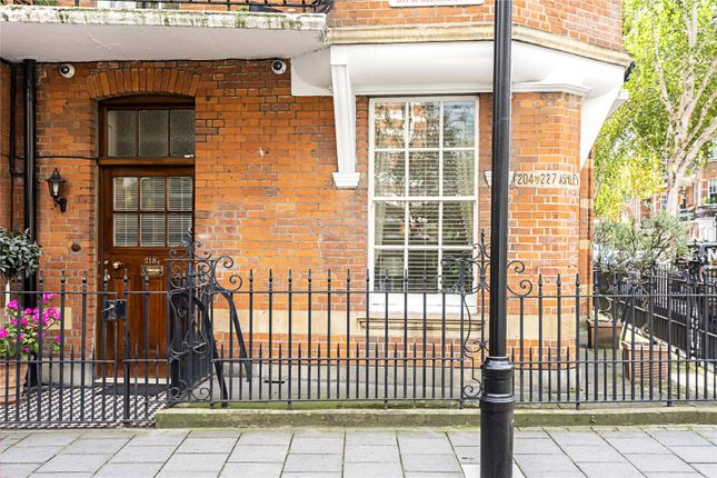 Picture No. 21 of Ashley Gardens, Emery Hill Street, London SW1P