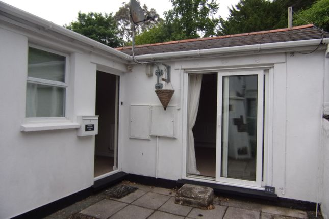 Thumbnail Flat to rent in Dunheved Road, Launceston, Cornwall