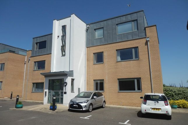 Triplex to rent in Lower Marine Parade, Harwich