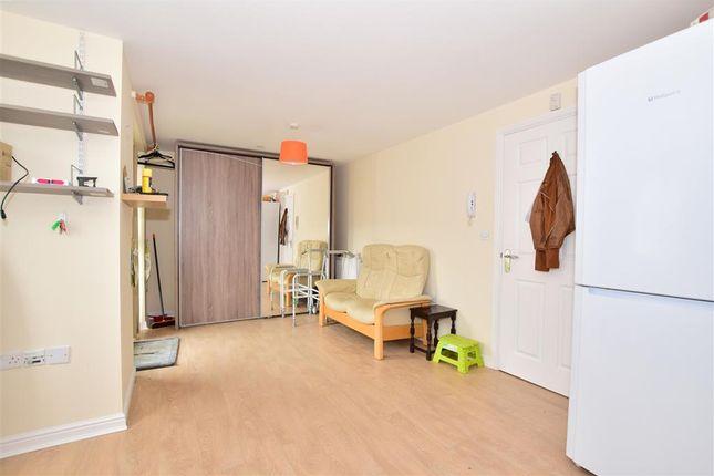 Kitchen/Lounge of Speldhurst Close, Ashford, Kent TN23