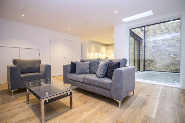 Thumbnail Terraced house to rent in St Pancras Place, Kings Cross, London
