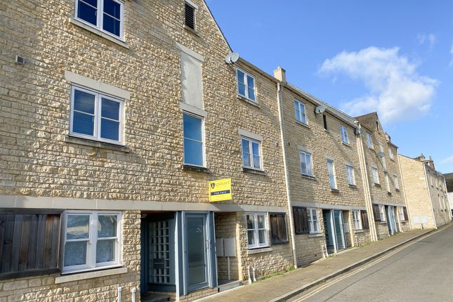 Thumbnail Maisonette for sale in Albert Road, Stamford
