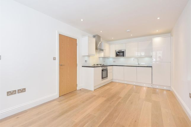 Thumbnail Mews house for sale in Coliston Passage, London