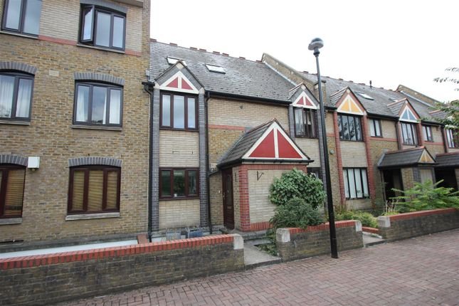 Thumbnail Town house to rent in Discovery Walk, Wapping, London