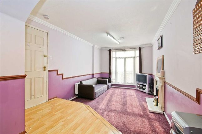 Thumbnail Town house for sale in Garnet Walk, Beckton, London