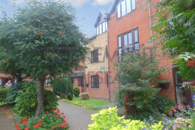 Thumbnail Flat for sale in Kingfisher Court (Droitwich), Droitwich Spa