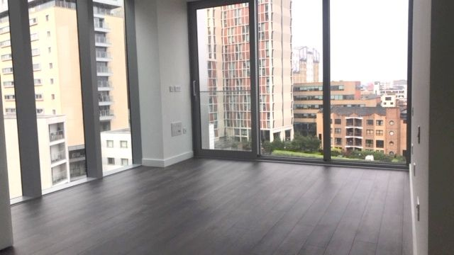 Thumbnail Flat to rent in Kingwood Gardens, Leman Street, Aldgate East, London