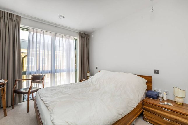 Flat to rent in Wharf House, Twickenham