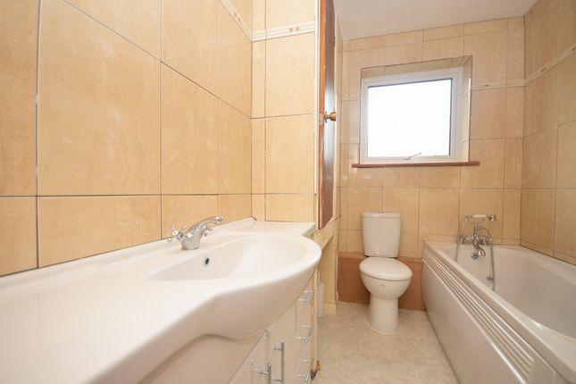 8 Lymington Bathroom