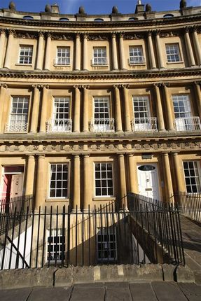 Thumbnail Flat to rent in The Circus, Bath