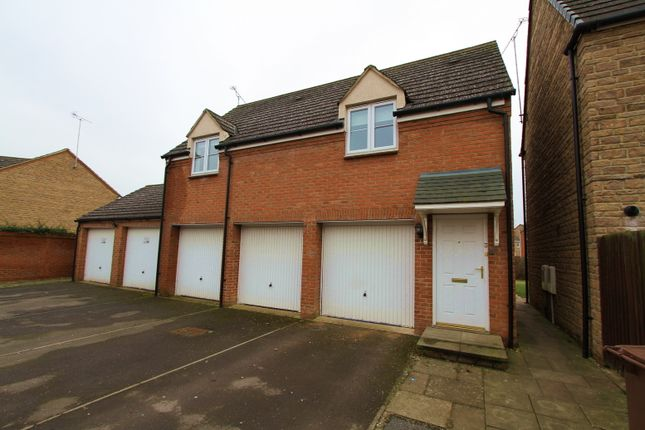 2 bedroom flat to rent in Sir Henry Jake Close, Banbury