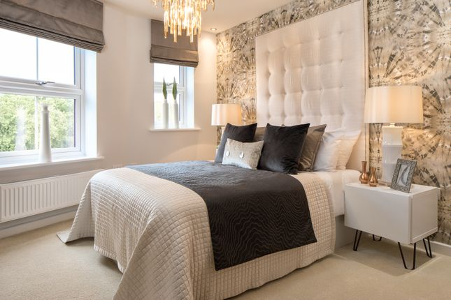 2 bedroom flat for sale in Ifould Crescent, Wokingham, Berkshire