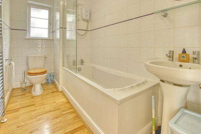 Family Bathroom of Deacons Hill Road, Elstree, Borehamwood WD6