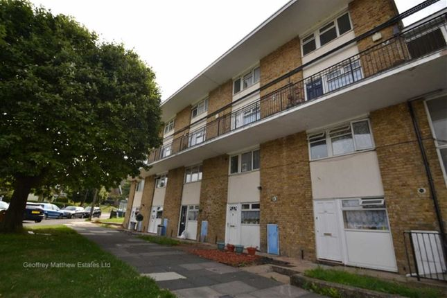 Thumbnail Maisonette for sale in Foldcroft, Harlow, Essex