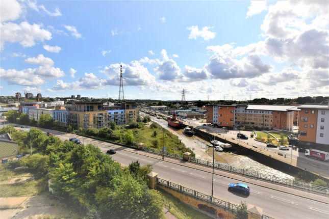 Thumbnail Flat to rent in Caelum Drive, Colchester