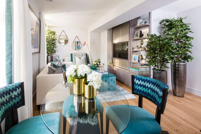 Thumbnail Flat for sale in Crescent House, Crescent Lane, Clapham, London