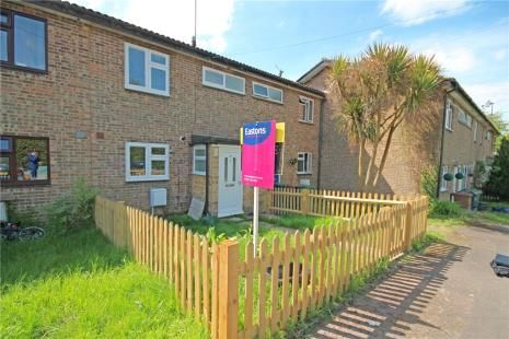 3 bed terraced house for sale in Waterfield, Tadworth