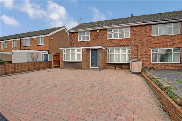 Thumbnail Semi-detached house for sale in Greenacres, Crawley