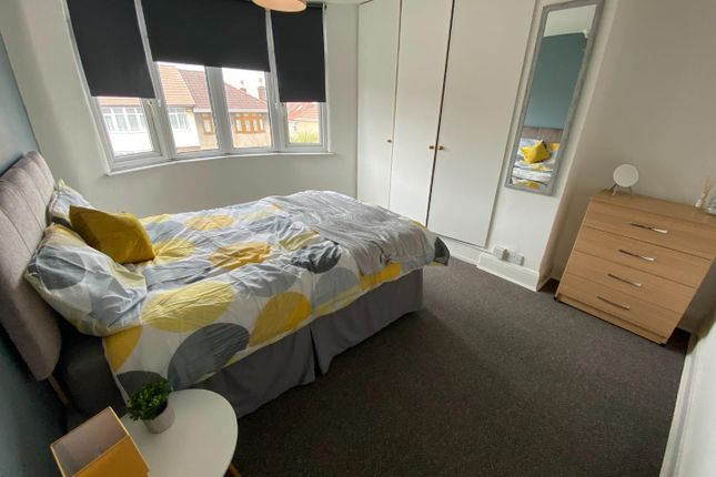 Thumbnail Room to rent in Embassy Road, Whitehall, Bristol