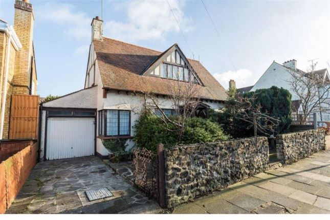 Thumbnail Property to rent in Southview Drive, Westcliff-On-Sea