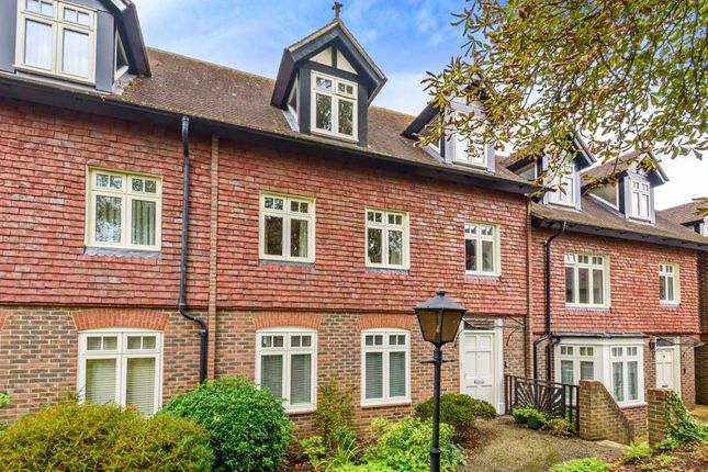 Thumbnail Property for sale in 19 Bramley Grange, Horsham Road, Bramley