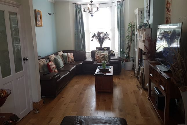 Thumbnail Terraced house to rent in Whitehorse Road, Croydon