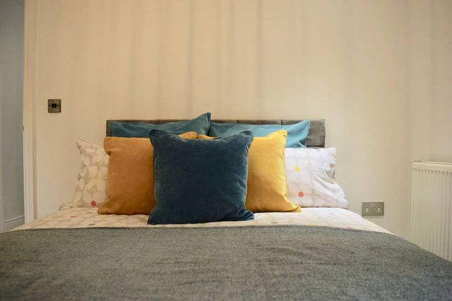 Thumbnail Flat to rent in Elswick Road, London