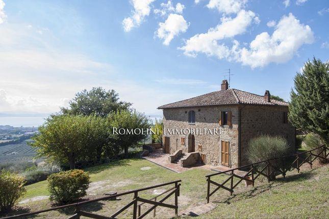 5 bed farmhouse for sale in Passignano Sul Trasimeno, Umbria, Italy