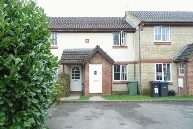 Thumbnail Terraced house to rent in Embry Close, Calne